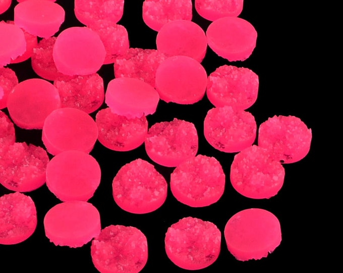 12mm Hot pink round resin cabochon - Magenta faux druzy cabochons - Faux drusy cabochons - Textured cabochons (1634) - Flat rate shipping