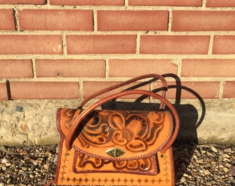 vintage quality tooled leather purse floral design mexican leather handbag- 50s/60s