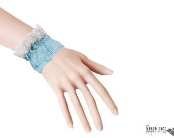 W18 Baby Blue and White Lace Lolita Wrist Cuffs