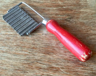 Crinkle Cut Potato Chip Cutter, Red Handle, Vintage