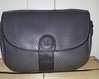 LIZ CLAIBORNE PURSE // 80's Gray Leather Logo Monogram Shoulder Bag Preppy Classic 19 Yuppie Adjustable Belt Strap