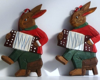 Three Vintage Wooden Carved Rabbits / Painted / Provincial or Country Decor