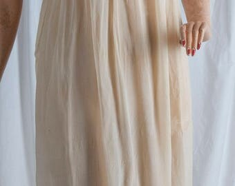 1930s champagne silk and lace night gown/slip. Lingerie,