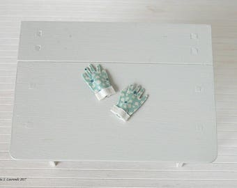 Dollhouse miniature Gardening Gloves - Turquoise blue with flowers in cream and dark blue - cream cuffs-  1:12 scale (GA34)