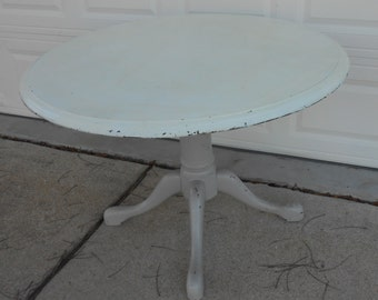 Vintage Round Pedestal Base Claw Feet Table Shabby Chic Painted Furniture Kitchen Dining Room Entryway Table