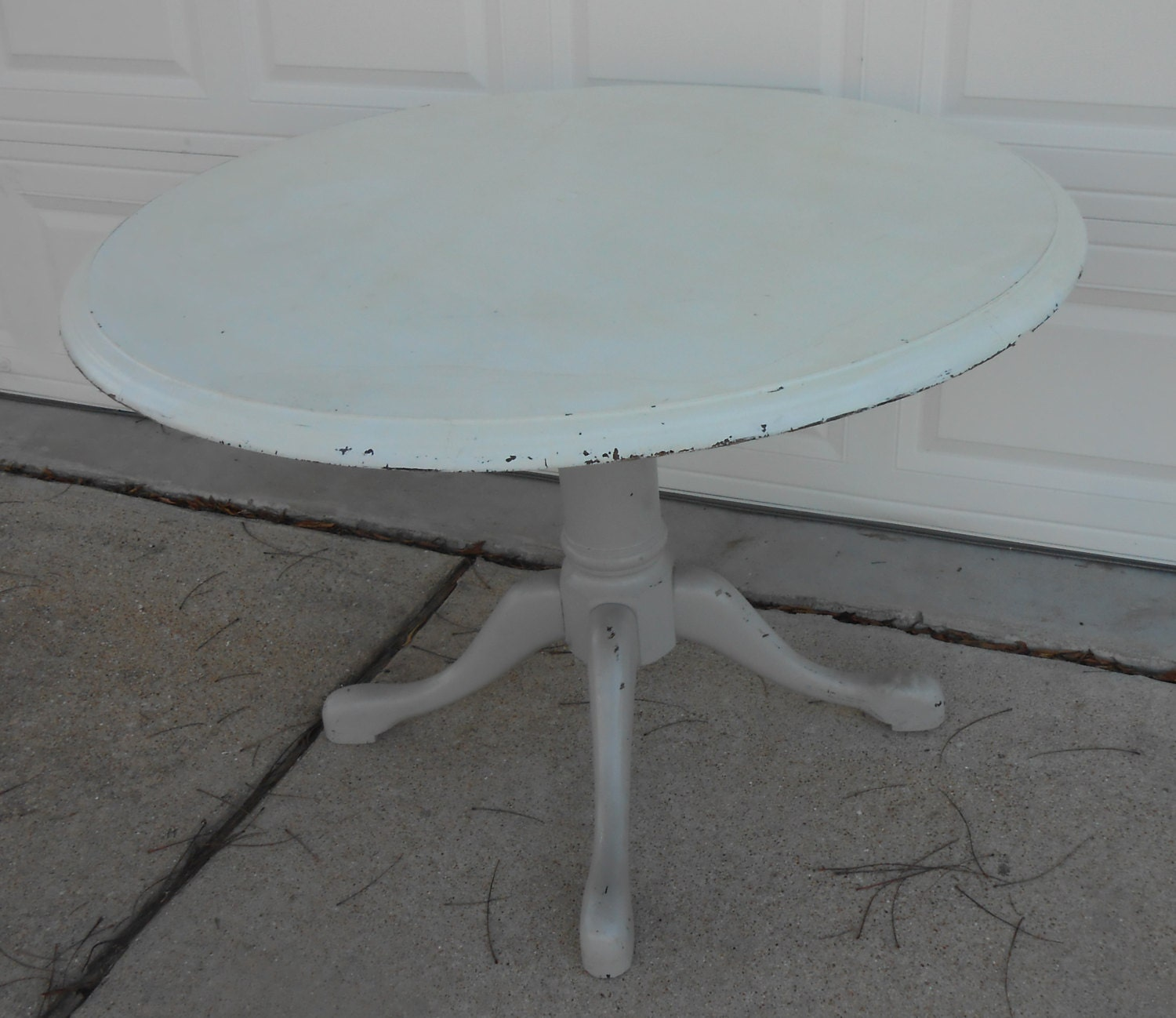 Vintage Round Pedestal Base Claw Feet Table Shabby Chic Painted ...