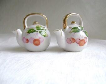 Vintage Salt & Pepper, Teapot Salt Pepper Shakers, Shaker Set, Hand Painted, Gold Trim, Japanese Teapots, Porcelain, Cherry Teapot S and P