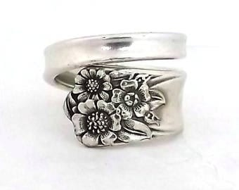 Spoon Ring April 1950 Silverware Jewelry Sunflower Kansas State Flower Silver Flatware Upcycled Handle Repurposed Vintage Handmade Spiral