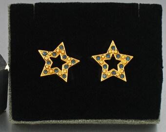 1994 Vintage Avon 'Sparkle Star' Blue Rhinestone Pierced Earrings w original box. Vintage Star Earrings. Vintage Avon Jewelry. Avon earrings
