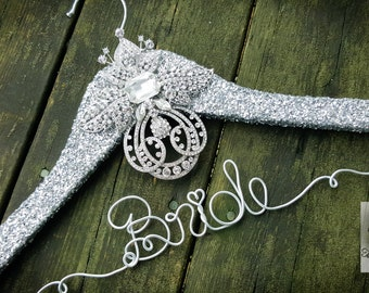 Wedding Dress Hanger - Vintage Brooch Bridal Hanger -Fairytale Wedding -Silver Glitter Wedding Hanger -Original design -Unique Design Hanger