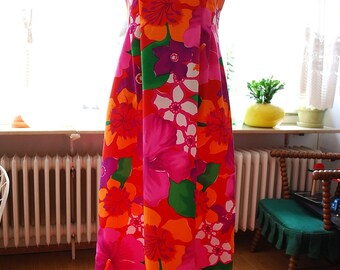Vintage 60's/70's Hawaiian Vacation Maxi Dress