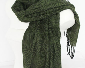 Green men scarf, Green Black Men scarf, Green Linen scarf, Men cotton scarf, Organic linen scarf, Wrinkled men scarf, Men Christmas gift