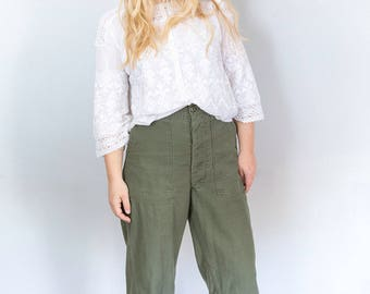 Great High Waisted Utility Trousers in Olive Green 1960s