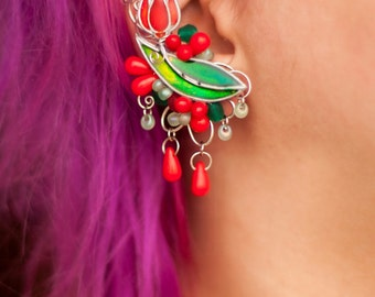 Bright color pastel tulipe flower earcuff with chains and glass drop beads