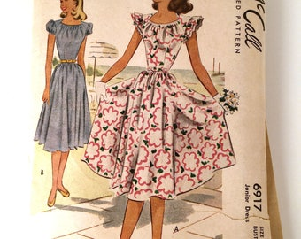 """Vintage 40s McCall 6917 Sewing Pattern, Junior Dress Pattern, Puff Sleeves, Short Sleeves, Two Styles, UNCUT, Complete, S 17, Bust 35"""""""