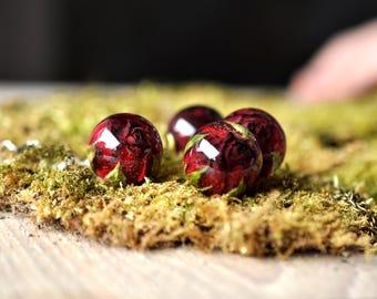 Dark Red Real Rosebud Resin Sphere Pendant Necklace, Pressed Flower Resin Jewelry