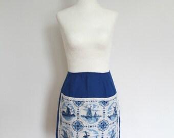 Vintage 70s Blue Delft windmills half apron