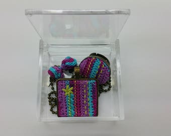 Set of jewellery made in crochet