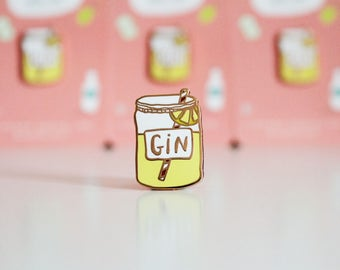 Enamel Pin // Gin lapel Pin / Pin badge / jewellery / Flair / Gin