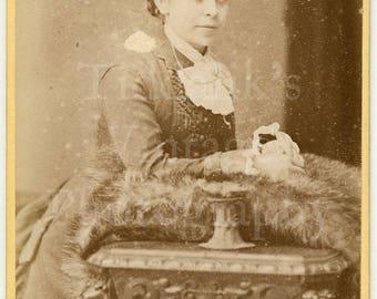 CDV Carte de Visite Photo - Victorian Standing Young Woman - Wolverhampton England