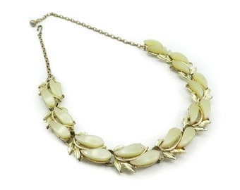 Vintage Yellow Thermoset Necklace, Leaves, Gold Tone