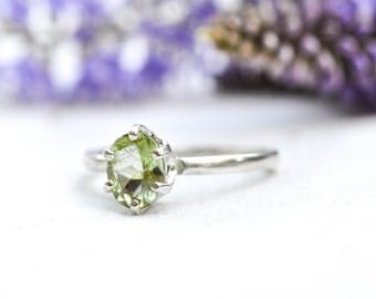 Natural Oval Cut Olive Green Peridot Ring with 925 Sterling Silver *Free Worldwide Shipping*