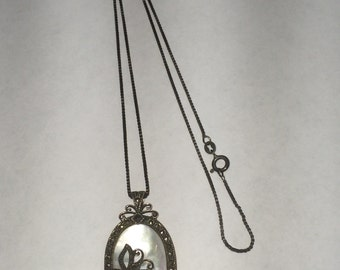 Vintage Sterling Silver Mother of Pearl Pendant Necklace
