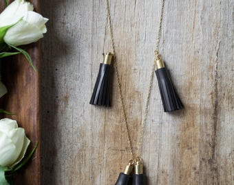 Bohochic necklace with black tassels handmade with recycled inner tube.