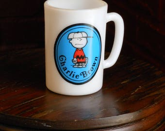 Charlie Brown. United Features. Avon child's mug. (1969)