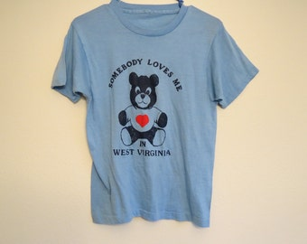 Vintage Tee T-Shirt with Teddy Bear Somebody Loves Me in West Virginia S/M