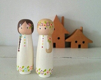 Wooden Peg Dolls in Cream and Flowers - Set of 2