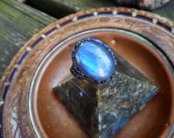 Labradorite ring, vine ring, labradorite rings, vine rings, oxidized silver ring, elven ring, large ring,size 7 ring,labradorite jewelry