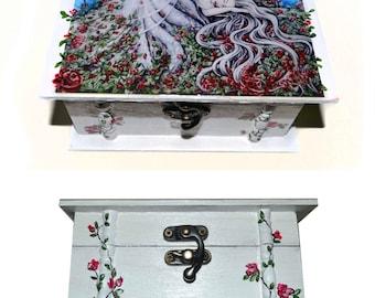 Jewellery box - Sleeping beauty, hand-painted, fairytale art, white wooden box, roses, jewellery storage