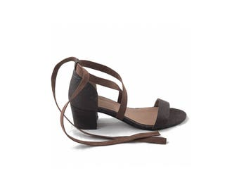 Vegan Shoes Ethical and Eco-Friendly Woman Ankle Strap Sandals made from Piñatex - CLAU BROWN