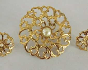 Vintage Demi Parure Set Brooch & Earrings