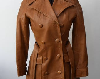 1970s SOFT leather coat belted double breasted trench coat XS-S brown leather jacket 9/10 leather coat boho Penny Lane big pockets supple