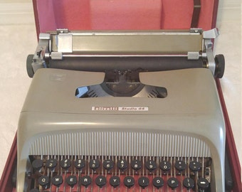 1954 Olivetti Studio 44 Vintage Typewriter with case, Made in Italy