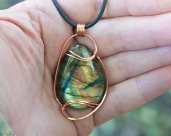 Multi Flash Labradorite Pendant, Copper Wire Wrapped Stone Pendant, Stone Wire Wrap Pendant, Labradorite Wire Wrapped Pendant