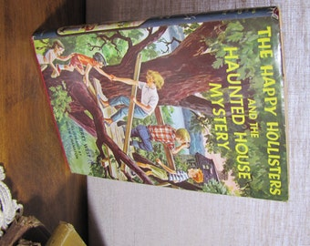 Vintage Children's Book - The Happy Hollisters and the Haunted House Mystery - 1962 Edition