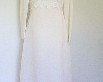 Vintage 50s 60s Cream Wedding dress with lace trim- long sleeves - size small