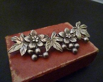 """Vintage flower brooch - white metal - 2.5"""""""