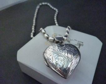 "A stunning chunky silver heart locket pendant necklace - Unique chunky silver necklace - 925 - sterling silver - Pendant 1.8"" x 1.2"" - 16"""