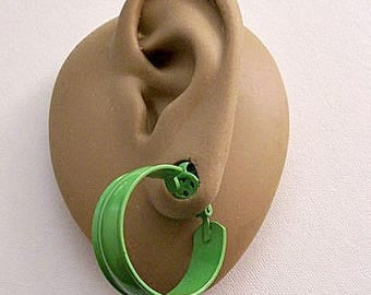 Green Wide Band Clip On Hoop Earrings Vintage Rimmed Smooth Enamel Open Band Edge Large Dangles