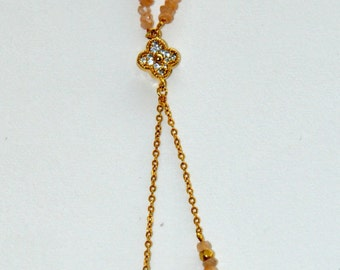 Fine gold-plated necklace, small clover cobblestones Zircons and Moon stones