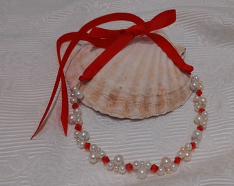 Bridal necklace with creamwhite pearls