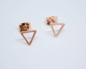 Small studs triangle rose gold matt