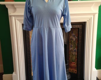 Vintage tea dress, 70s does 40s style