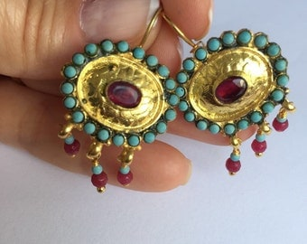 Ruby and Pearl Queen earring