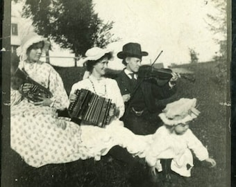 "Vintage Photo ""Making Americana Music"" Snapshot Antique Photo Old Black & White Photograph Found Paper Ephemera Vernacular - 149"