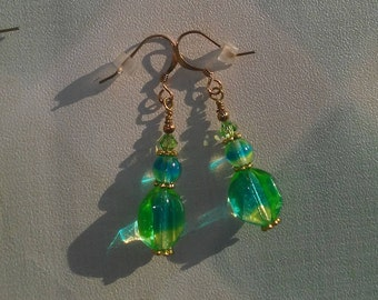 clearance/destash Ayla's Bead Creations multi tone blue green yellow dangle drop gold earrings